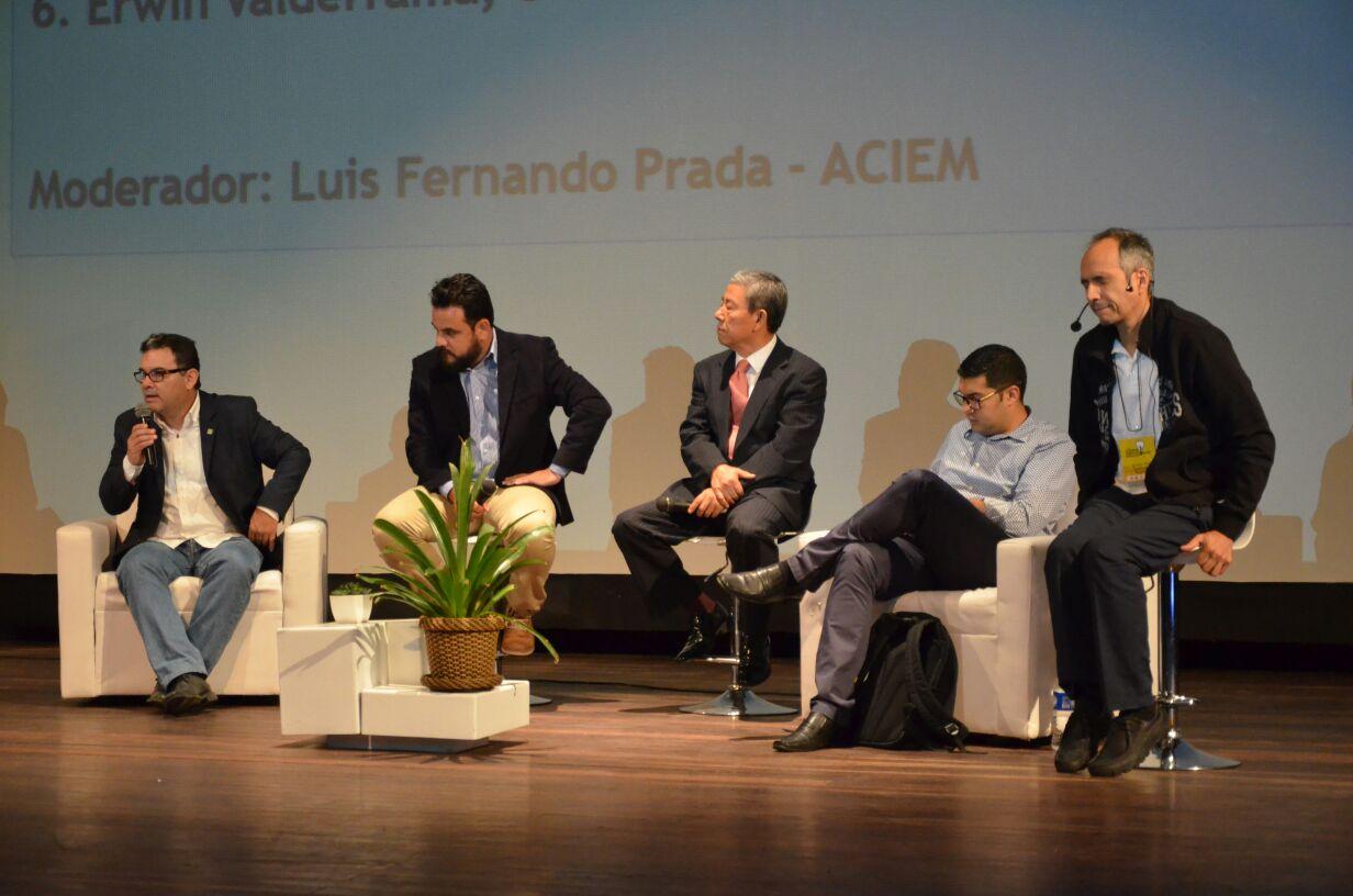 Panel UIS 22 de agosto